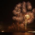 対岸の穴場から見た宮島水中花火大会 2013